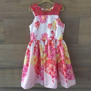 Pretty girls dress size 7 👗